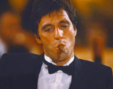 image du cigare avec le film Scarface